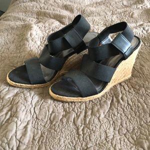 Tahari Black strappy platform sandals
